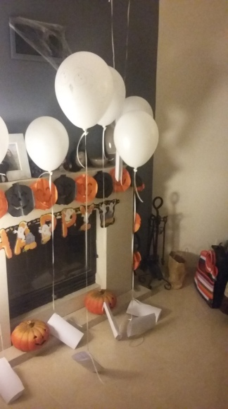Owl baloons with Hogwarts letters